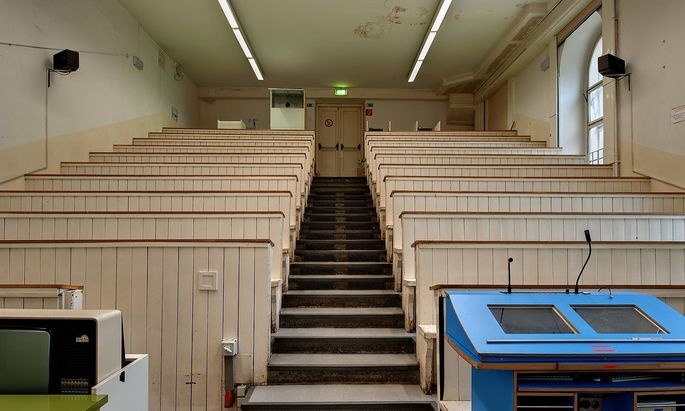 Hörsaal im Alten AKH in Wien