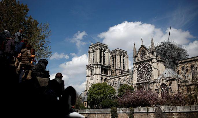 Piano bezweifelt, dass Notre-Dame in fünf Jahren renoviert werden kann, wie es Präsident Emmanuel Macron verspricht.
