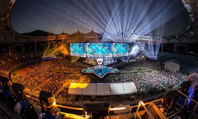 """Zig Millionen Fans verfolgten das Finale der """"LoL""""-WM vor dem Bildschirm. 50.000 im Stadion."""
