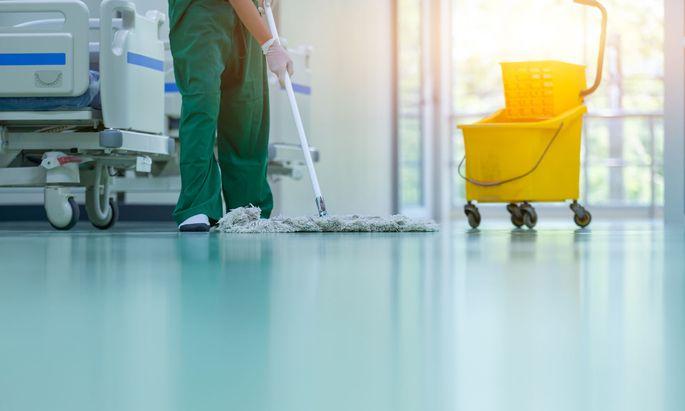 Die Testpflicht in Krankenanstalten beschäftigt immer wieder Gerichte.