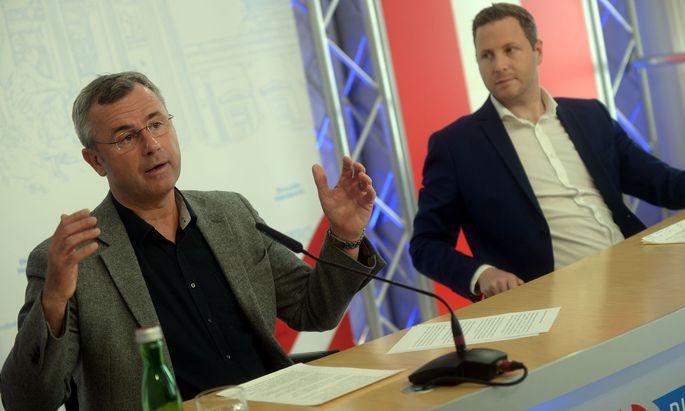 FPÖ-Generalsekretär Michael Schnedlitz (r.) und FPÖ-Parteichef Norbert Hofer