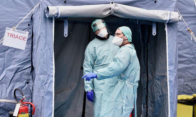 Ärzte in Brescia: Überall in Norditalien kämpfen die Krankenhäuser gegen das Coronavirus.
