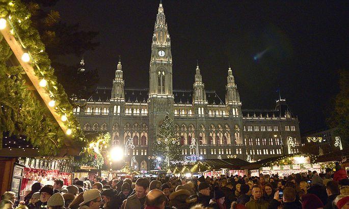 Der weihnachtsmarkt am Rathausplatz zählt zu den teureren seiner Art