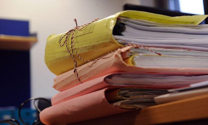 Mit der Novelle soll die Beschlagnahmung von Unterlagen und Datenträgern der Behörden durch die Justiz künftig nur noch im Ausnahmefall möglich sein.