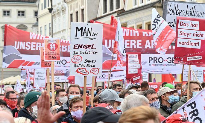 OBEROeSTERREICH: PROTESTMARSCH DER MAN-BESCHAeFTIGTEN IN STEYR