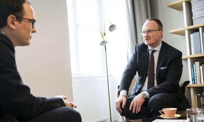 Lars Feld beim Interview in Wien