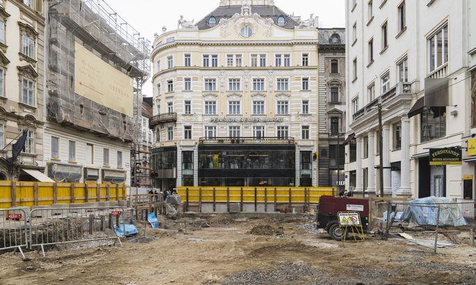 Am Neuen Markt - hier ein Bild vom Baubeginn im Vorjahr - wird derzeit noch eine Tiefgarage gebaut. Vermutlich ist es die letzte derartige Großbaustellt für längere Zeit.