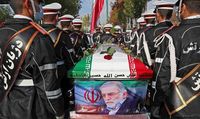 Trauerfeier in Teheran. Der Atomforscher und hohe Offizier der Revolutionsgarden Mohsen Fakhrizadeh wird bestattet.