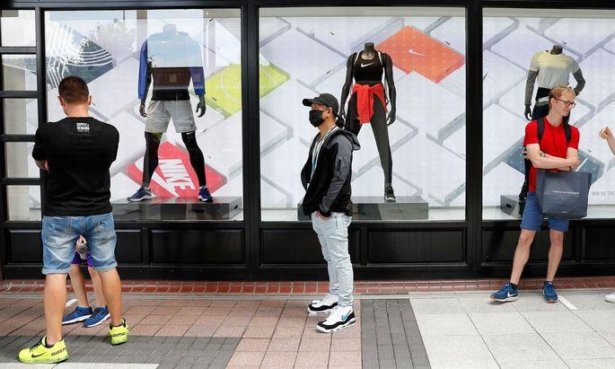 Nike litt unter Geschäftsschließungen und will den Onlinehandel forcieren.