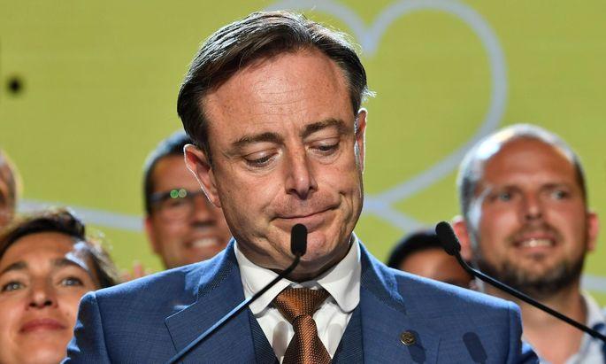 Obwohl die flämisch-nationalistische N-VA mehr Stimmen als jede andere Partei holte, sprach deren Vorsitzender Bart De Wever am Abend von einer Niederlage.