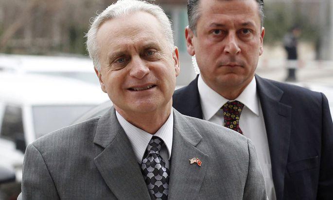 US-Botschafter Francis J. Ricciardone.