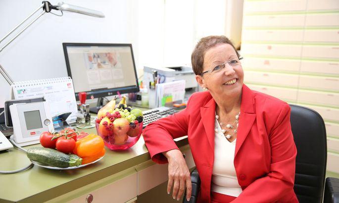 Die Ärztin Rosa Aspalter hatte Krebs und ist davon überzeugt, dass ihr vegane Kost, in Verbindung mit einer Chemotherapie, das Leben gerettet hat.