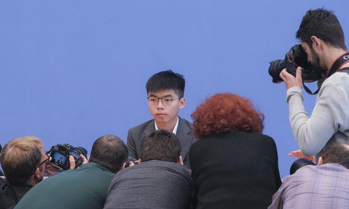"""Hongkong-Aktivist Joshua Wong stellte sich in Berlin den Medien. Der """"Presse"""" gewährte er ein Interview."""