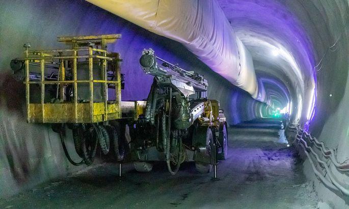 Die Vorarbeiten im Brenner-Basistunnel sind im vollen Gange. 160 Millionen Euro wurden verbaut. Im Bild der Tunnelstollen während eines Medientermins im Februar.