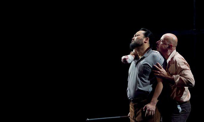 Samuel Youn als Hagen und Martin Winkler als Alberich.