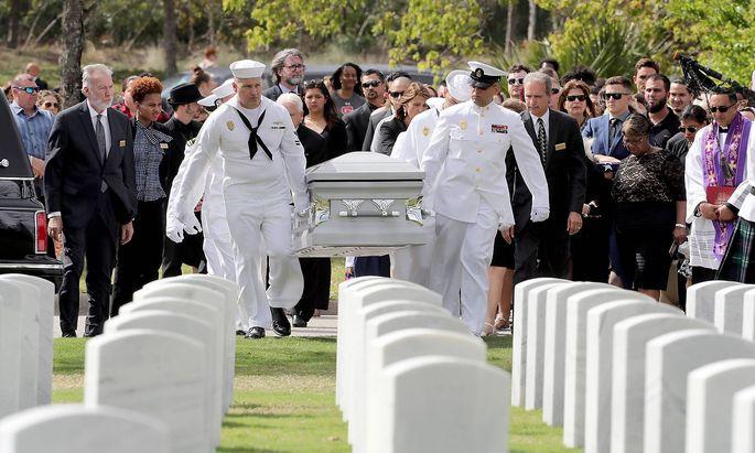 Bilder des Tages Amoklauf in Parkland Beerdigung von Athletic Director Chris Brent Hixon February 2