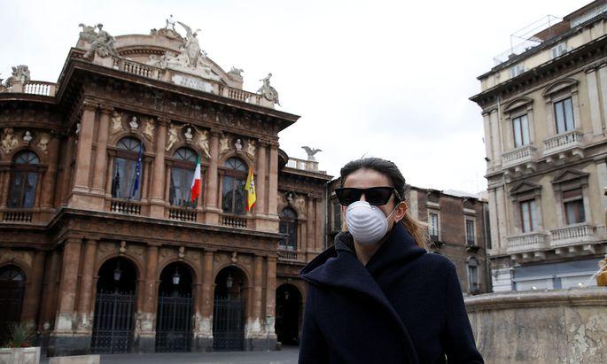 Eine Frau am Dienstag in Catania