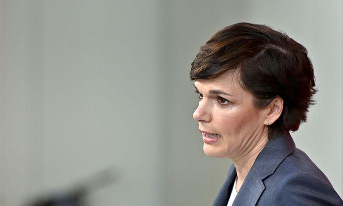 "Kritisiert den ""Fleckerlteppich an Corona-Strategien"" in Österreich: SPÖ-Chefin Pamela Rendi-Wagner."