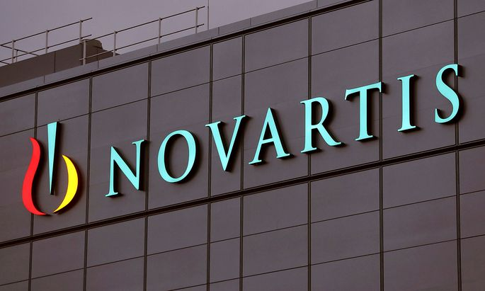 FILE PHOTO: Swiss drugmaker Novartis' logo is seen in Stein
