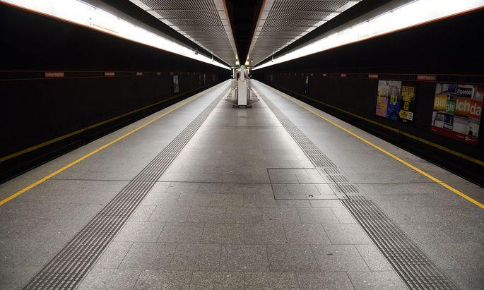 Ludwig erklärte, dass seine Bürger die öffentlichen Verkehrsmittel auch nützen dürften, um Spaziergänge am Stadtrand zu machen.