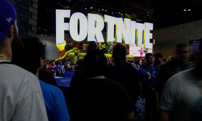 """Apple entfernte mit """"Fortnite"""" das beliebteste Spiel von Epic Games aus dem App Store."""