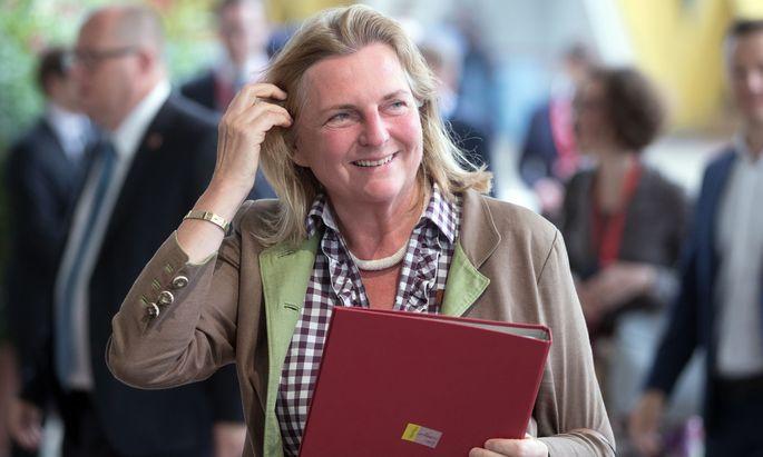 Außenministerin Karin Kneissl