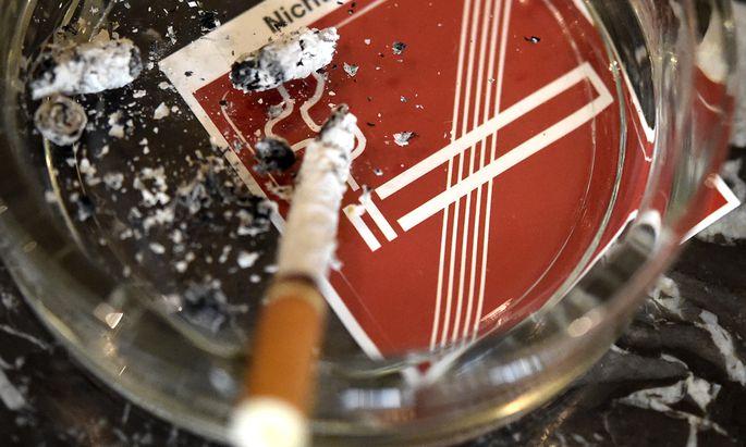 Rauchverbot: Gastronomie-Fachverband prüft Klage