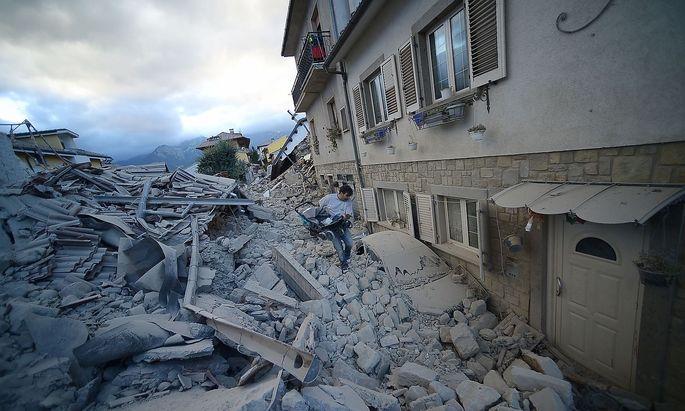 Archivbild aus dem Jahr 2016: kurz nach dem verheerenden Erdbeben in Amatrice.