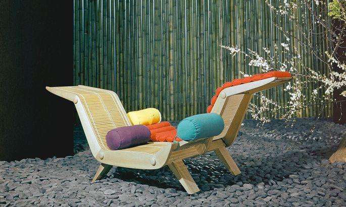 Tokio. Im Jahr 1955 stellte Perriand eine doppelte Chaiselongue vor.