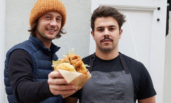 Robin Peller und sein Koch Julian Lechner.