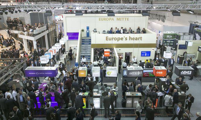 Ausländische Investoren können sich am Gemeinschaftsstand Europa Mitte schlaumachen.
