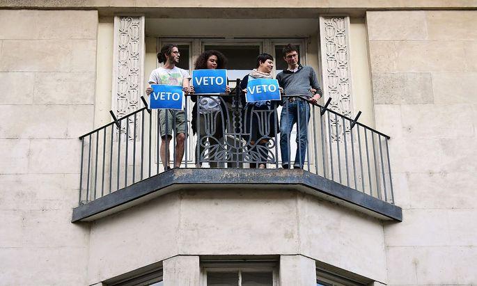 Seit Tagen finden rund um die Soros-Uni Proteste gegen das Hochschulgesetz statt, das das Aus für die Uni in Ungarn bedeutet.