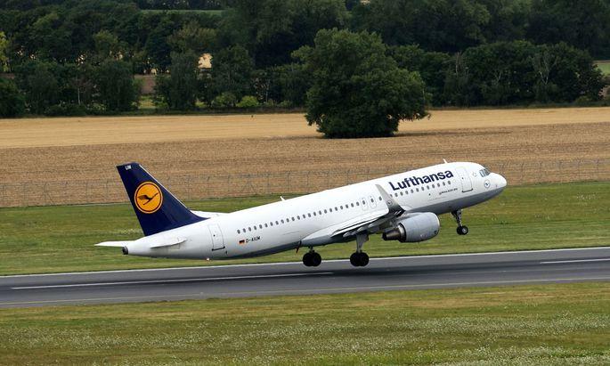 Laut OGH verwendete die Lufthansa einige unzulässige Klauseln.