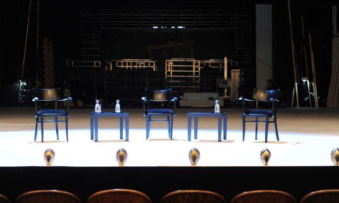 Im Burgtheater hat jahrelang nicht nur die Kunst, sondern auch Miss- und Freunderlwirtschaft regiert. Für das Chaos sind mehrere Personen verantwortlich.