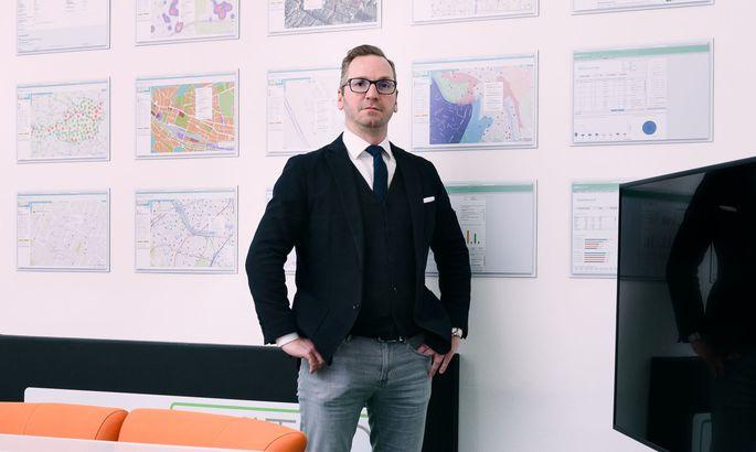 Roland Schmid (44) ist ein Wiener Unternehmer, seine Firmengruppe bietet Dienstleistungen für die Immobilienbranche an.