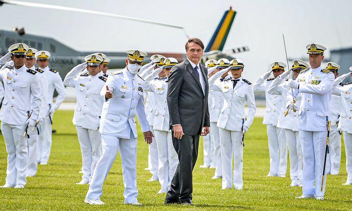 Brasiliens rechtspopulistischer Präsident, Javier Bolsonaro, genießt den Rückhalt der Streitkräfte.