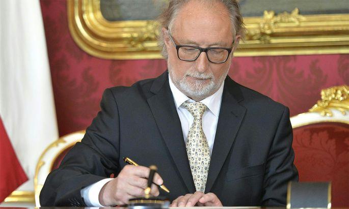 Der Leiter der Alterssicherungskommission, Walter Pöltner, wirft das Handtuch.