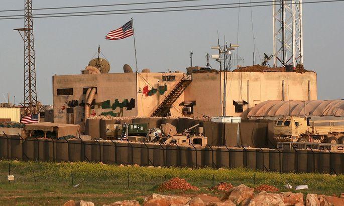 Gebäude einer US-Garnison im türkisch-syrischen Grenzraum