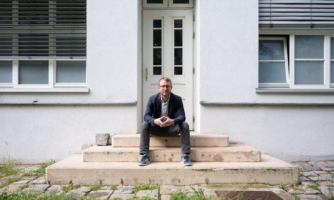 """Bernhard Benka hat für """"Ärzte ohne Grenzen"""" und im Gesundheitsministerium gearbeitet. Seit gestern, Mittwoch, ist der 45-Jährige zuständig für den Bereich """"Öffentliche Gesundheit"""" in der Ages"""