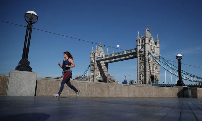 London, so leer, so schön. Hier eine Momentaufnahme bei der Tower Bridge.