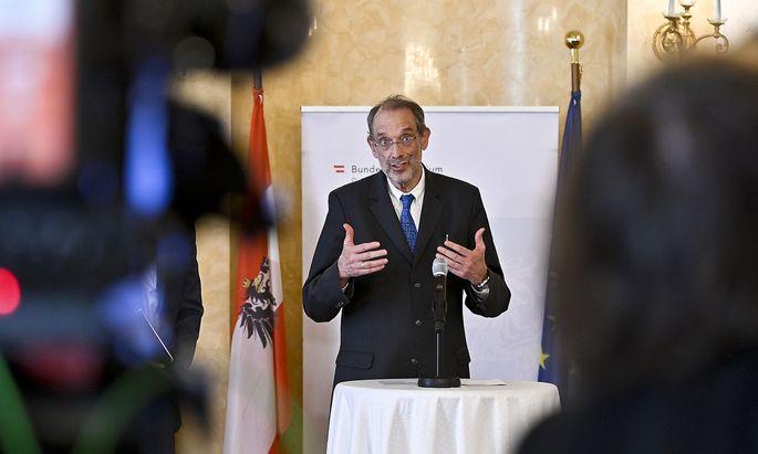 Bildungsminister Heinz Faßmann bei einer Pressekonferenz im Ministerium.