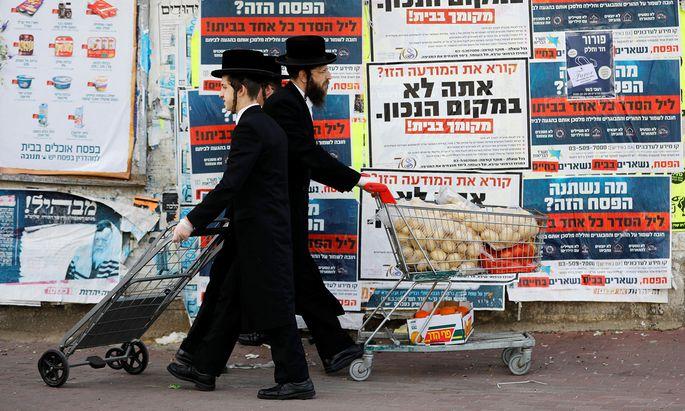 Viele ultrareligiöse Juden ignorierten die Maßnahmen der Regierung.