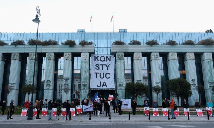 Protest gegen die Umbesetzung des Obersten Gerichtshofs in Polen.