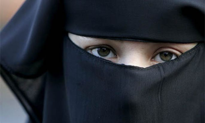 Debatte BurkaVerbot ohne Burka