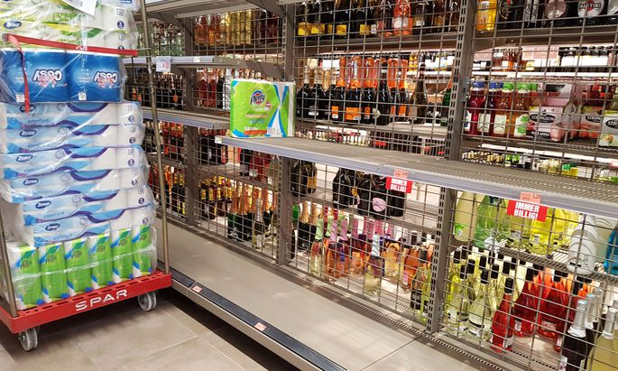 Die Regierung wird die Prämien für Supermarktbeschäftigte während der Coronakrise nicht besteuern.