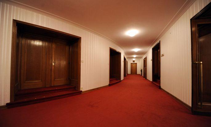 Wiens Theater (hier die Burg) versuchen das Beste aus dem Lockdown zu machen. Es wird geprobt, renoviert, gestreamt, auf Dezember gehofft.