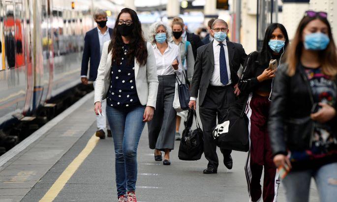 Maskenpflicht gilt (fast) nur noch in den Öffentlichen Verkehrsmitteln.