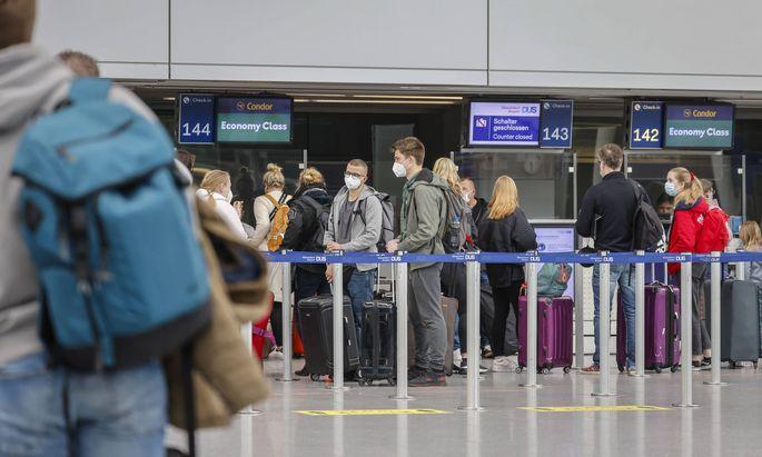 Sollen sich Reisende künftig auch bei ihrer Rückkehr testen lassen?
