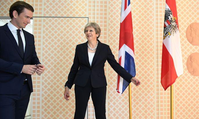 Der europäische Geist wird bei den Salzburger Festspielen beschworen, wenn auch EU-Ratsvorsitzender und Bundeskanzler Sebastian Kurz mit Theresa May die Premierministerin eines Landes empfängt, das die EU bald verlassen wird.
