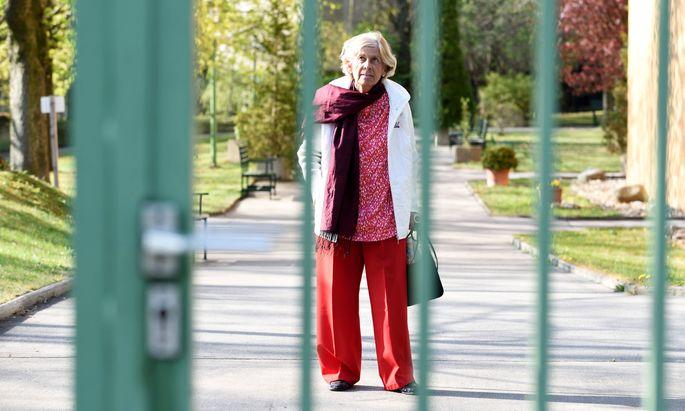 Ostern ohne Ausgang: Elisabeth Preloznik in ihrer Seniorenresidenz.